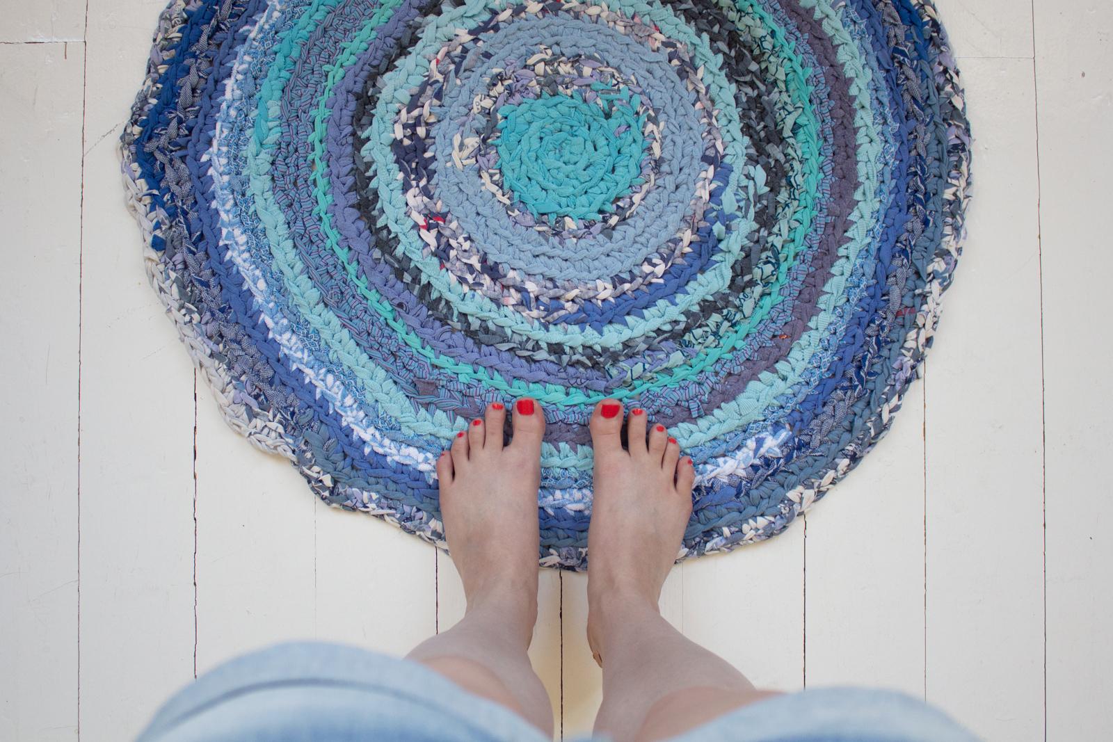 Matonkuteista virkattu matto