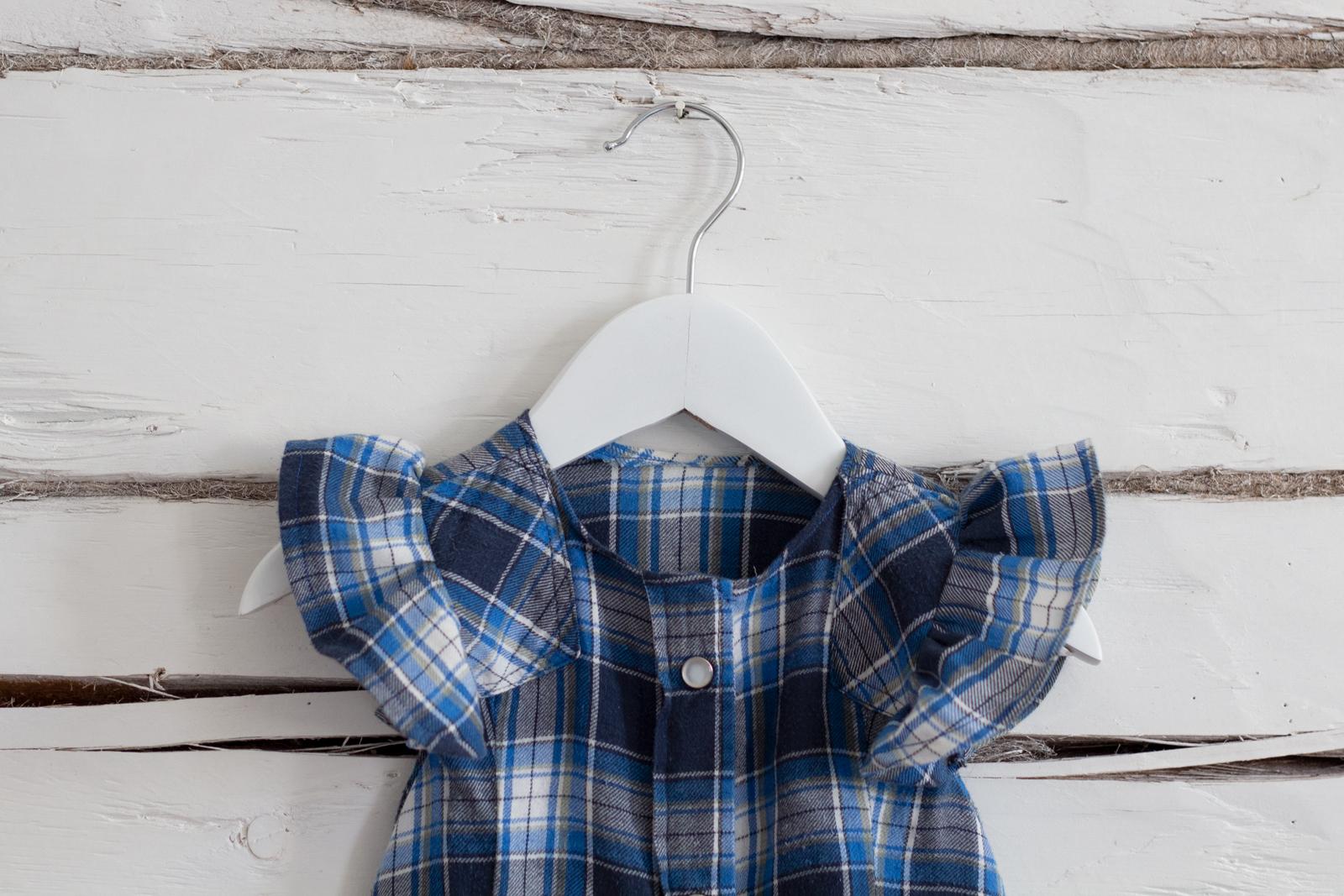 Lapsen paitamekko vanhasta kauluspaidasta